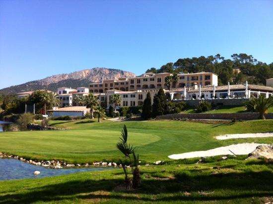 Steigenberger Golf & Spa Resort Camp de Mar : Blick vom Golfplatz