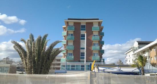 Little Hotel: foto hotel dalla spiaggia