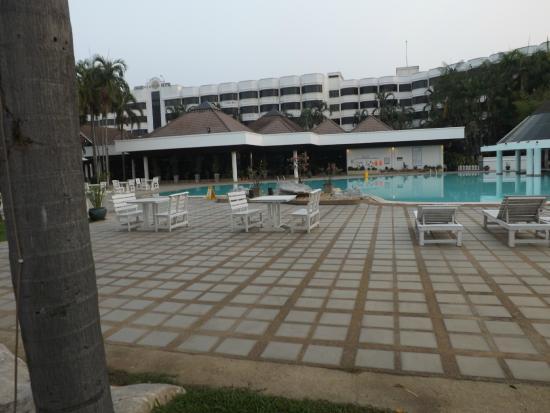 Tarin Hotel : l'hôtel et sa picine