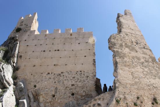 Castillo de La Iruela: Detalle de la muralla del Castillo