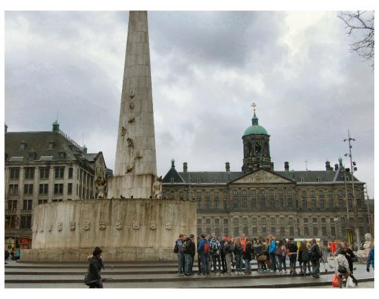 Obelisco in piazza dam nationaal monument picture for Ostello amsterdam piazza dam