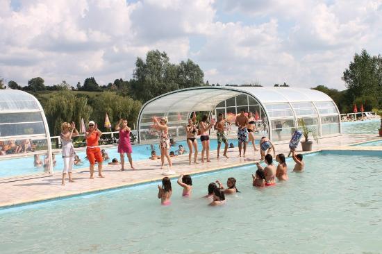 Longny-au-Perche, France : Animations piscine