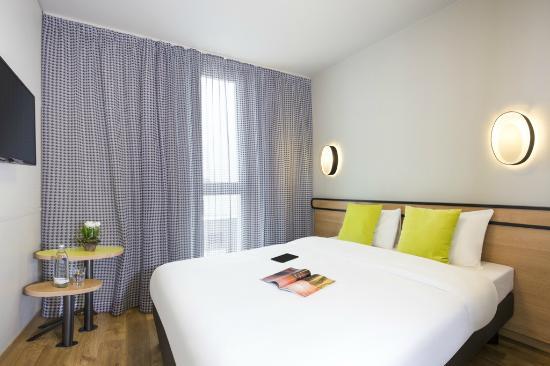 Adagio Access München City Olympiapark: Schlafzimmer Apartment