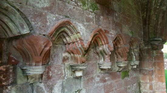 Furness Abbey: Close up of the magnificient stone work