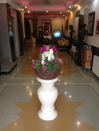 Totia Hotel: Hotel lobby