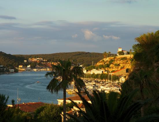 Mahon Port: Вид на порт со смотровой площадки около Ратуши