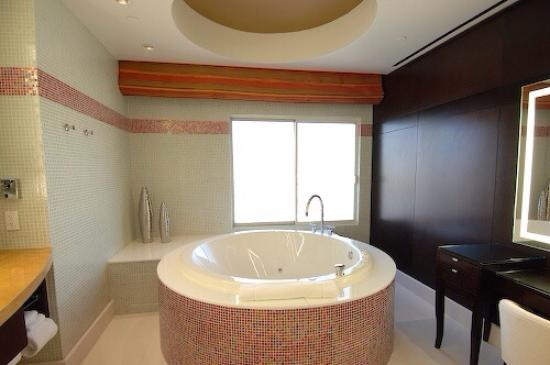Hotel32 at Monte Carlo: Bathroom 2