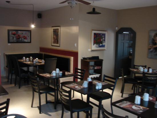 restaurant du cap a la mer : salle à manger