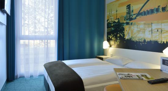 Schones Zimmer Super Fruhstuck B B Hotel Koln Messe Koln