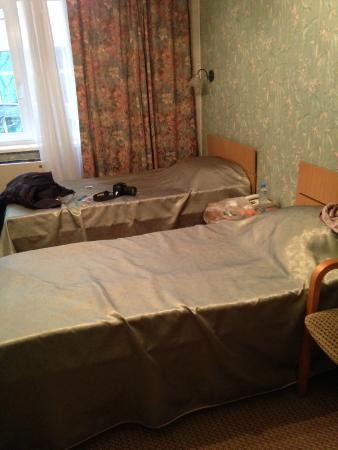 Hotel Dacia: Zimmer