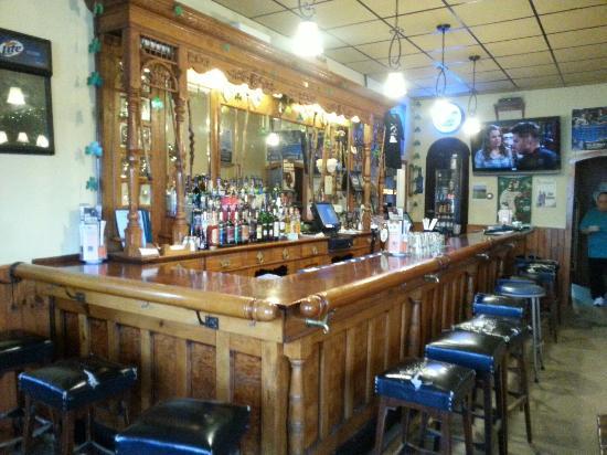 Parkview Restaurant: Separate Bar Side Of Restaurant