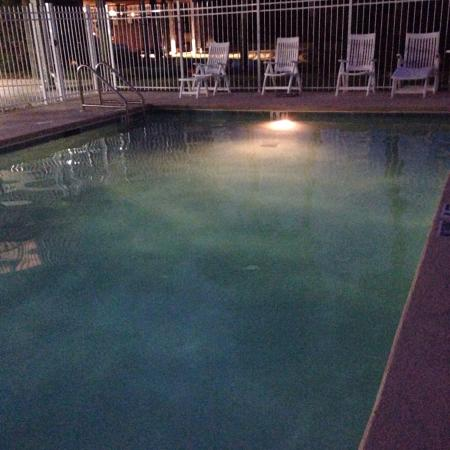 Natures Landing Condominium: Icy, small pool with limited deck area and cheap chairs