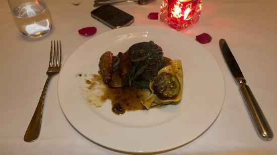 etoiles : Main Course (Angus Beef with Mushroom Tortellini)