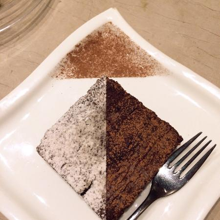 Cappuccino: Chocolate brownie!