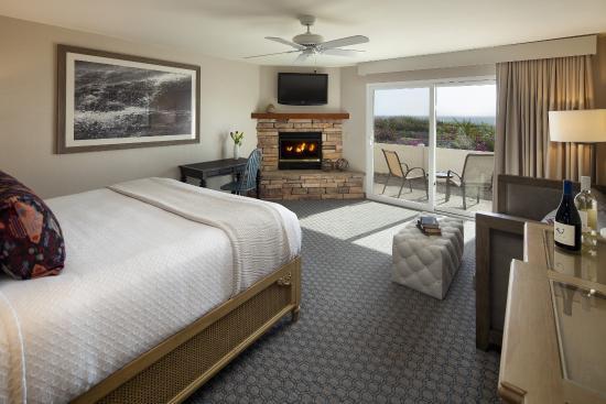 Spygl Inn Ocean View King Guest Room