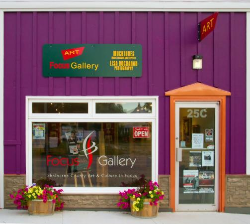 Shelburne, Canada: Focus Gallery Storefront
