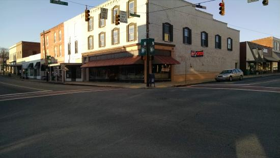 Madison, NC: corner coffeehouse