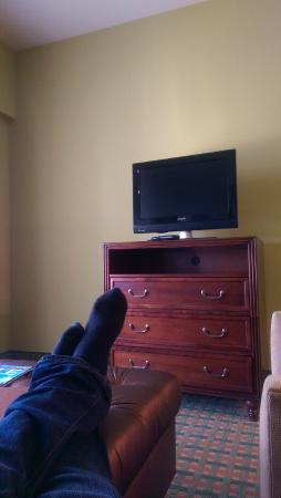 Homewood Suites Ocala at Heath Brook: 1 bedroom Nice but small TVs