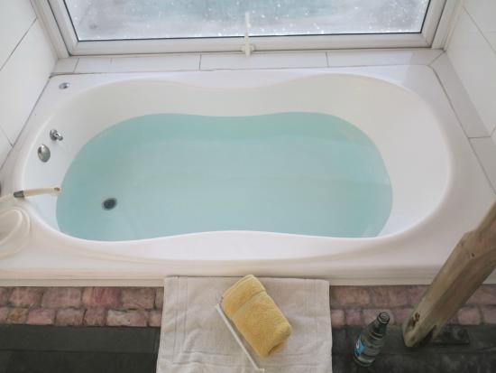Baño De Tina Con Sal De Mar:Tina De Agua