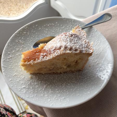 Dimora del Podesta : Special Easter cake for breakfast!