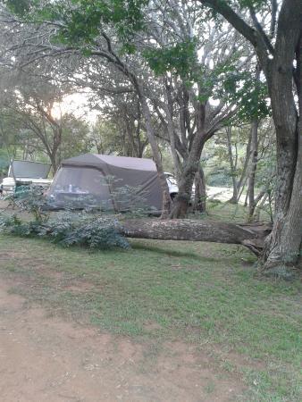 Magalies Sleepy River: Stunning bush surroundings