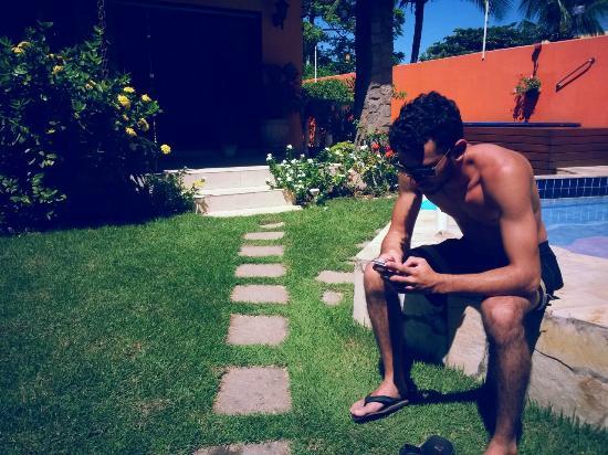 Casa Dois Gatos: Wi-Fi pega na piscina! ;)