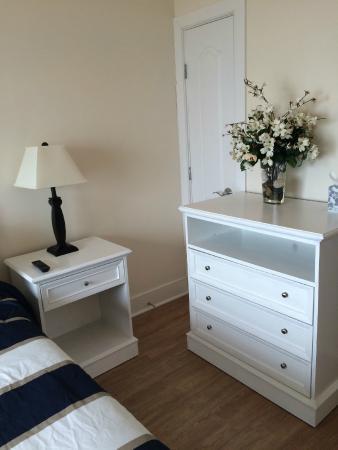 Cliffside Resort Condominiums: Master Bedroom