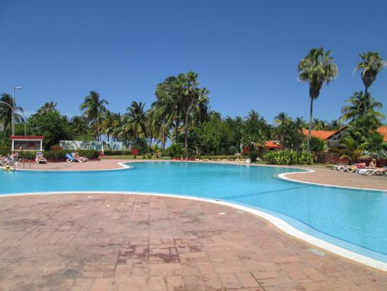 La plage picture of puntarena varadero tripadvisor for Club piscine longueuil