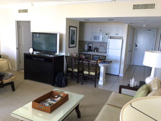 Longboat Key, FL: 2nd floor beachfront room in building #2