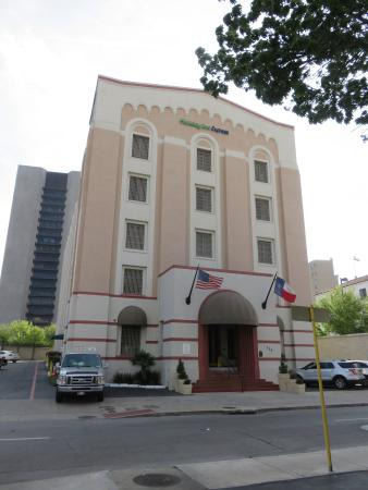 Holiday Inn Express Hotel & Suites San Antonio-Downtown Market Area : hotel