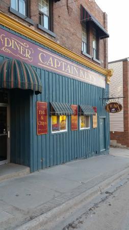 Captain Ken's Diner-Billiards : Captain Ken's Diner
