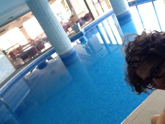 La piscina con idromassaggio foto di hotel mondial bellaria igea marina tripadvisor - Hotel bellaria con piscina ...
