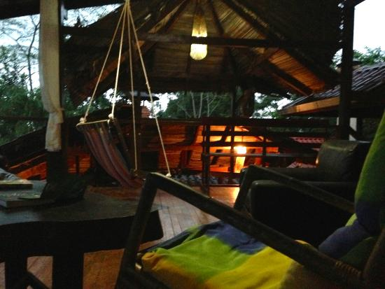 Princesa de la Luna Eco Lodge : seating area off of room in main building