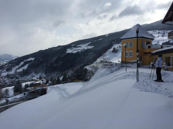 Hotel Schuetterhof : Ski straight onto the slopes