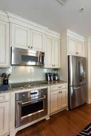 the quarters on king stainless steel appliances in kitchen