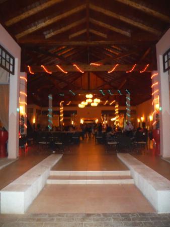 Pestana Cayo Coco All Inclusive : main loby / bar area