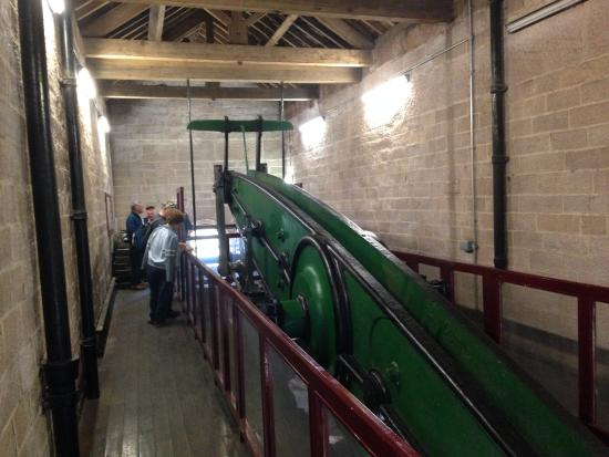 Leawood Pump House: The beam at the top