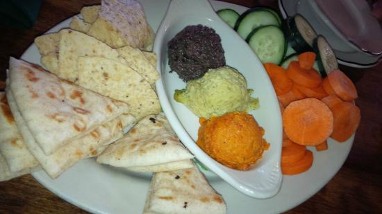 Tavern of Northfield: Yummy and waist friendly hummus plate