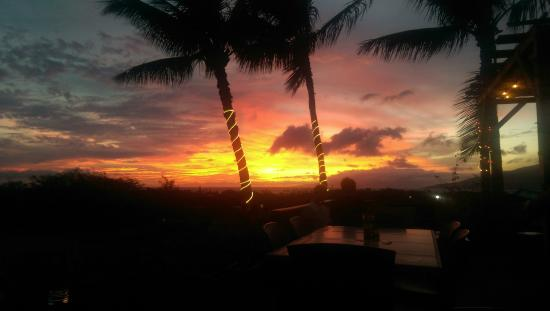 Kono's on the Green : the sunset went on and on