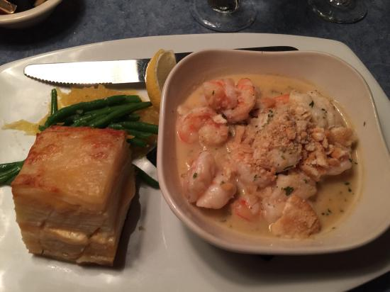 Lazy Lobster : Seafood combo with shrimp and lobster in garlic butter sauce with scalloped potatoes and veggies