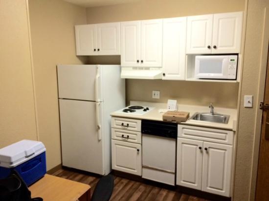 Extended Stay America - Washington, D.C. - Fairfax: Kitchen