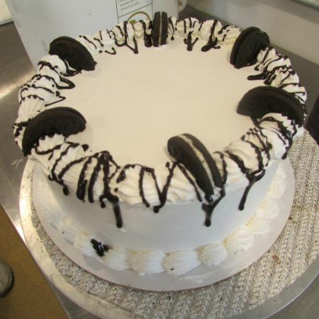 Waterville, NY: Try our delicious ice cream cakes!