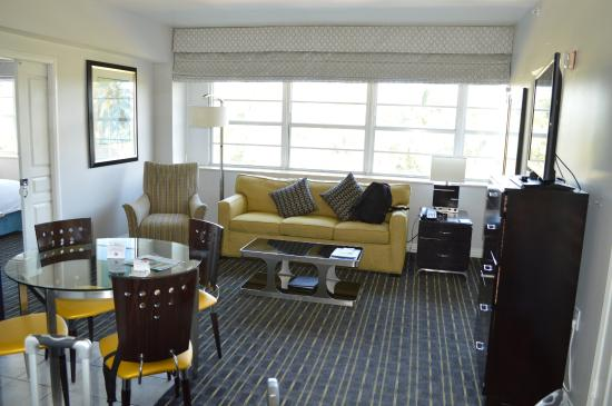 Hilton Grand Vacations at McAlpin-Ocean Plaza: Lounge Area