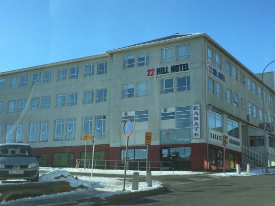22 هيل هوتل: Front of Hotel