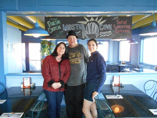 Lobster Cove: A wonderful restaurant overlooking the ocean. This waitress was great.