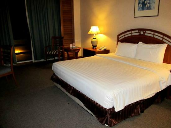 Sabah Oriental Hotel: My room, first night