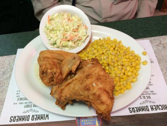 Al's Chickenette: Fried chicken, coleslaw, corn