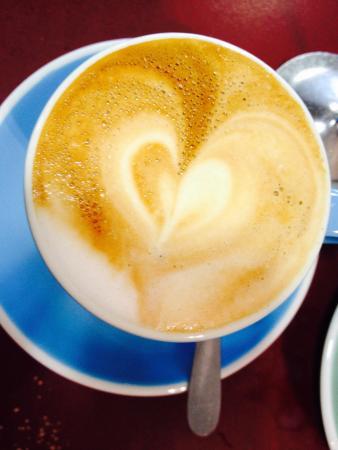Cafe Lago : Top flat white