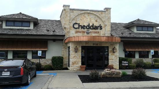 ‪Cheddar's Scratch Kitchen‬