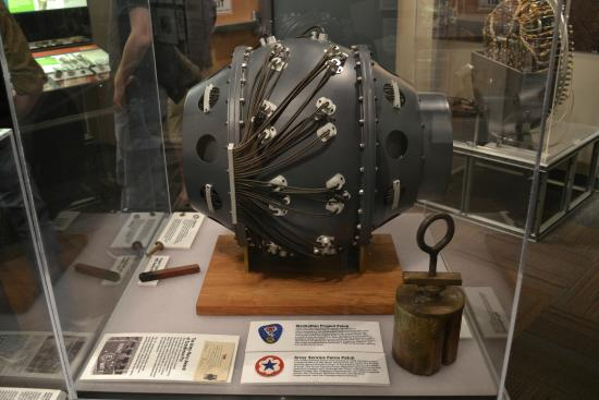 "Los Alamos Historical Museum : Replica of the ""gadget"" - the first atom bomb tested"